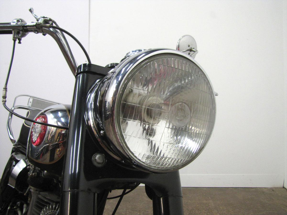 1958-bsa-b33_15