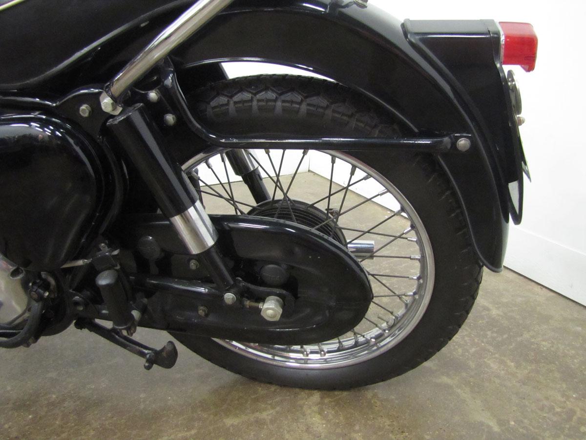 1958-bsa-b33_27