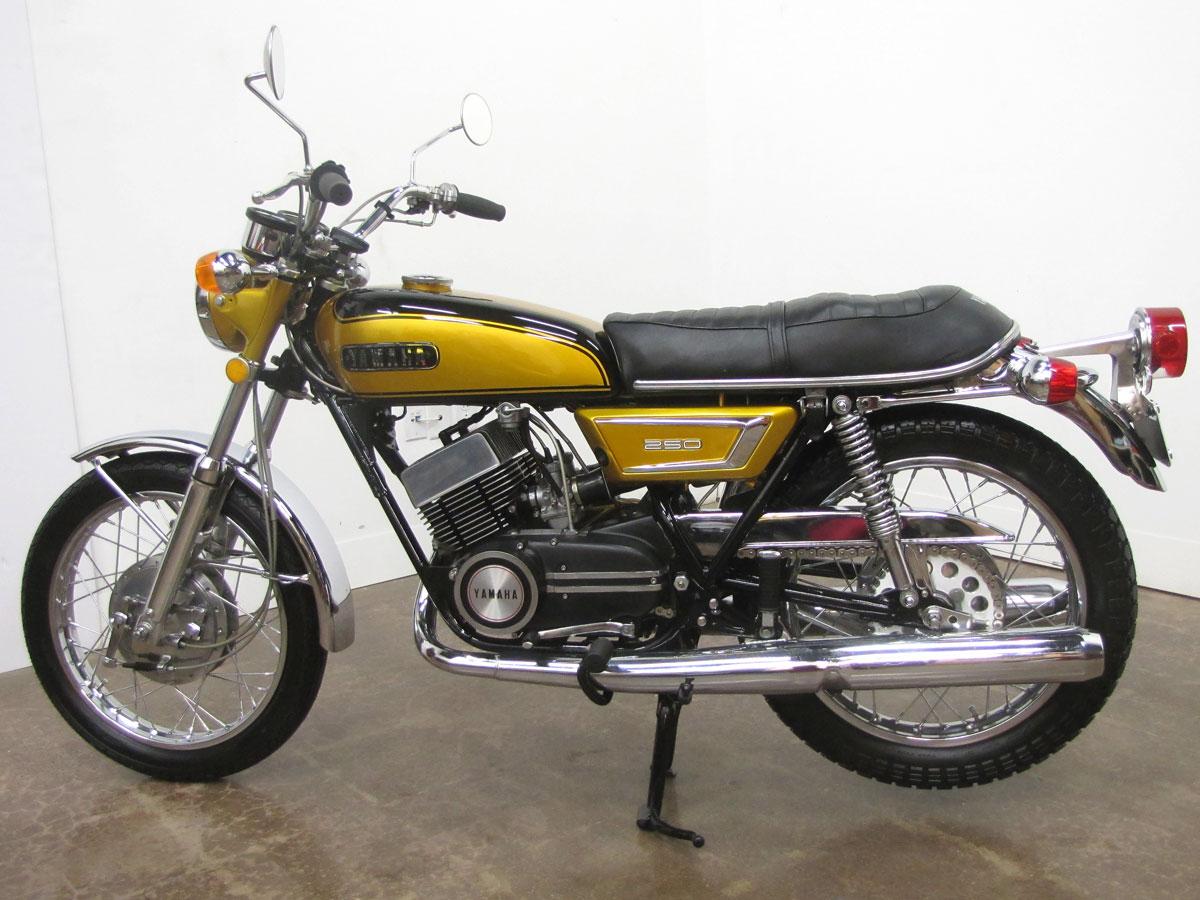 1972-yamaha-yds7_1
