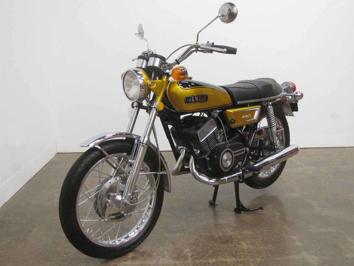 1972-yamaha-yds7_2
