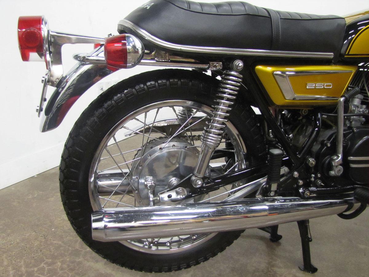 1972-yamaha-yds7_28