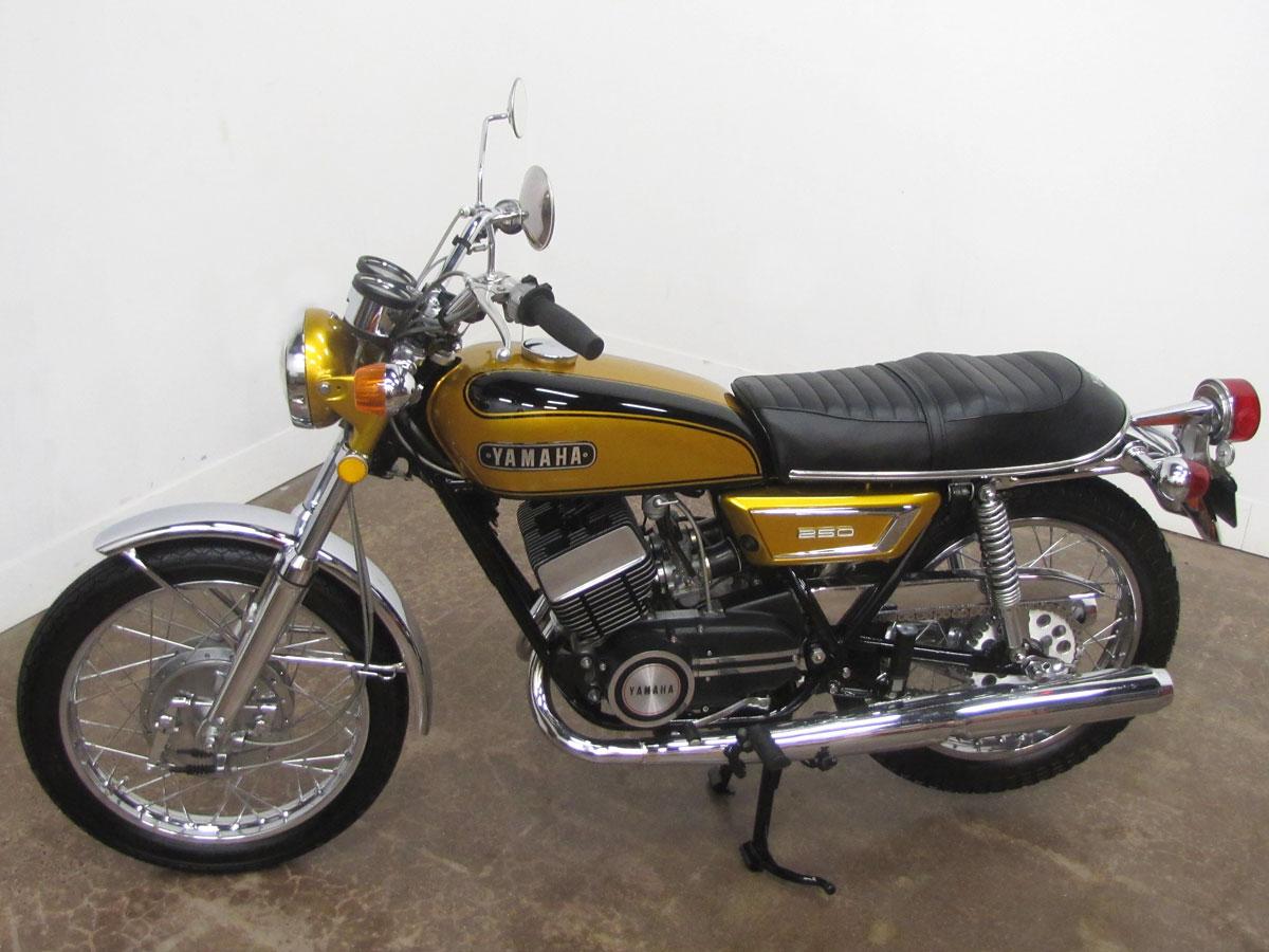 1972-yamaha-yds7_3