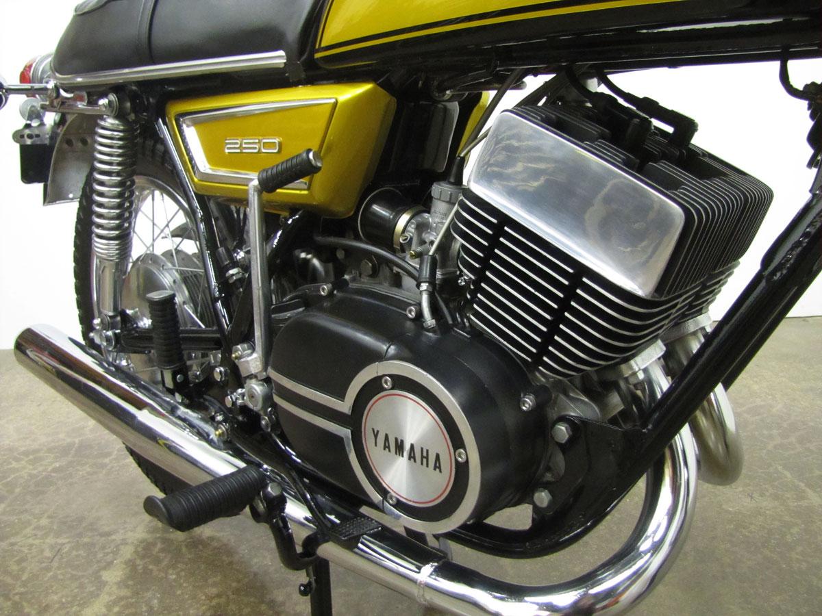 1972-yamaha-yds7_36