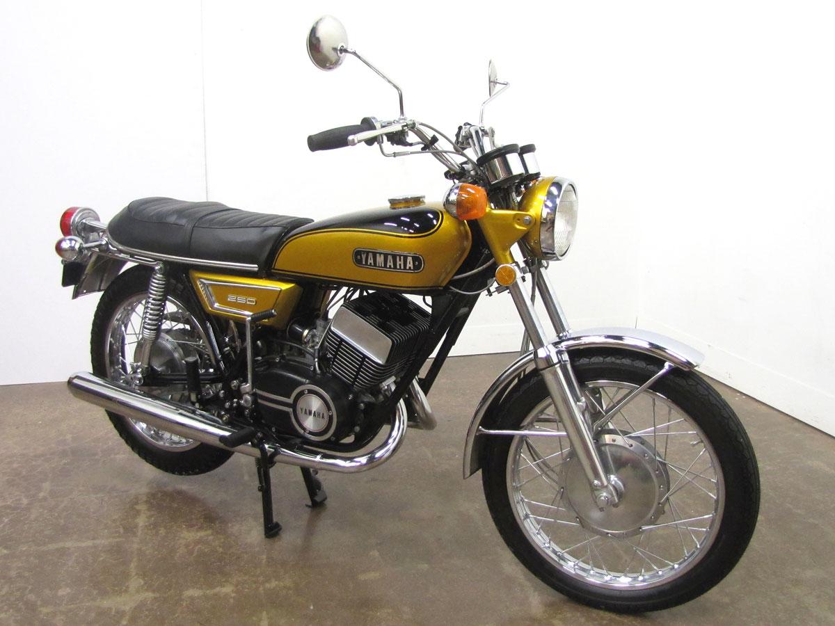 1972-yamaha-yds7_5