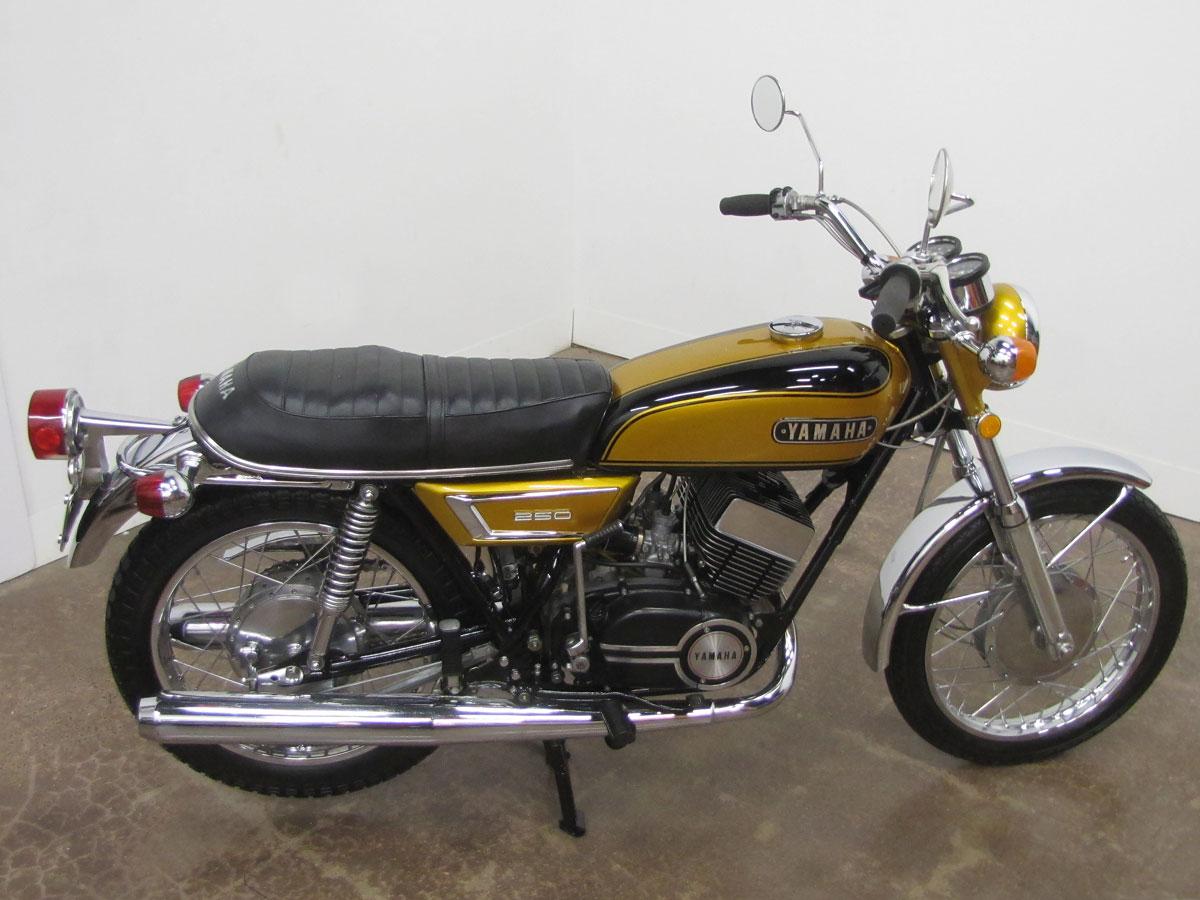 1972-yamaha-yds7_8
