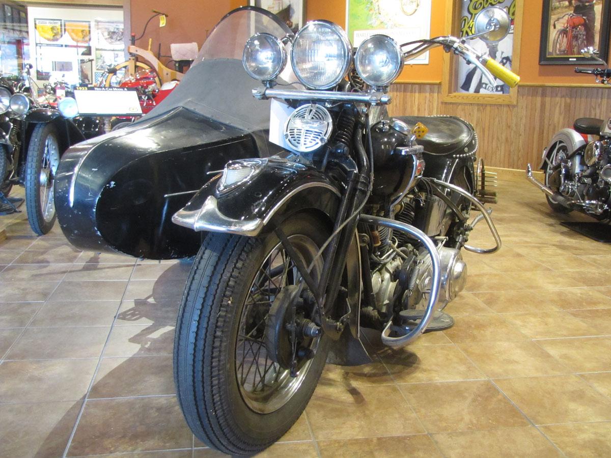 1947-harley-davidson-el-sidecar_1