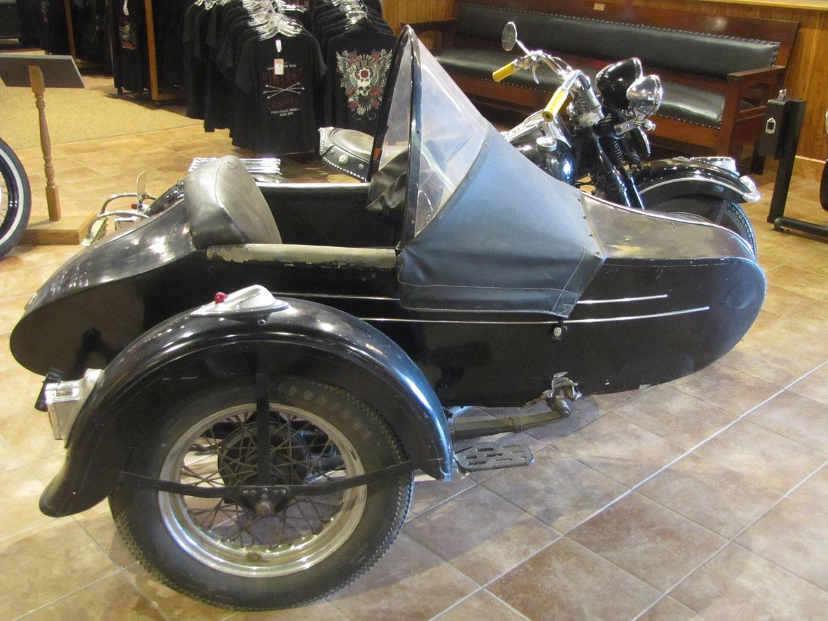 1947-harley-davidson-el-sidecar_3