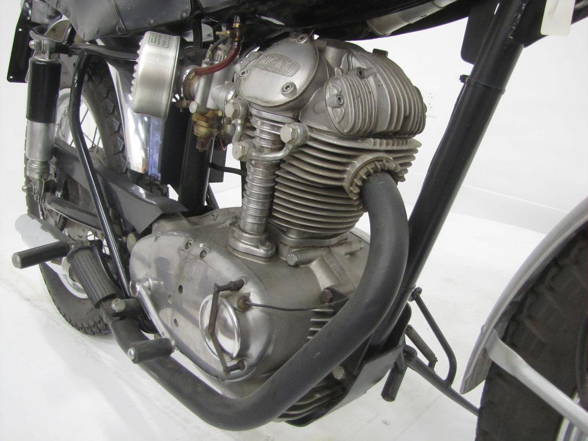 1966-ducati-250-scrambler_36