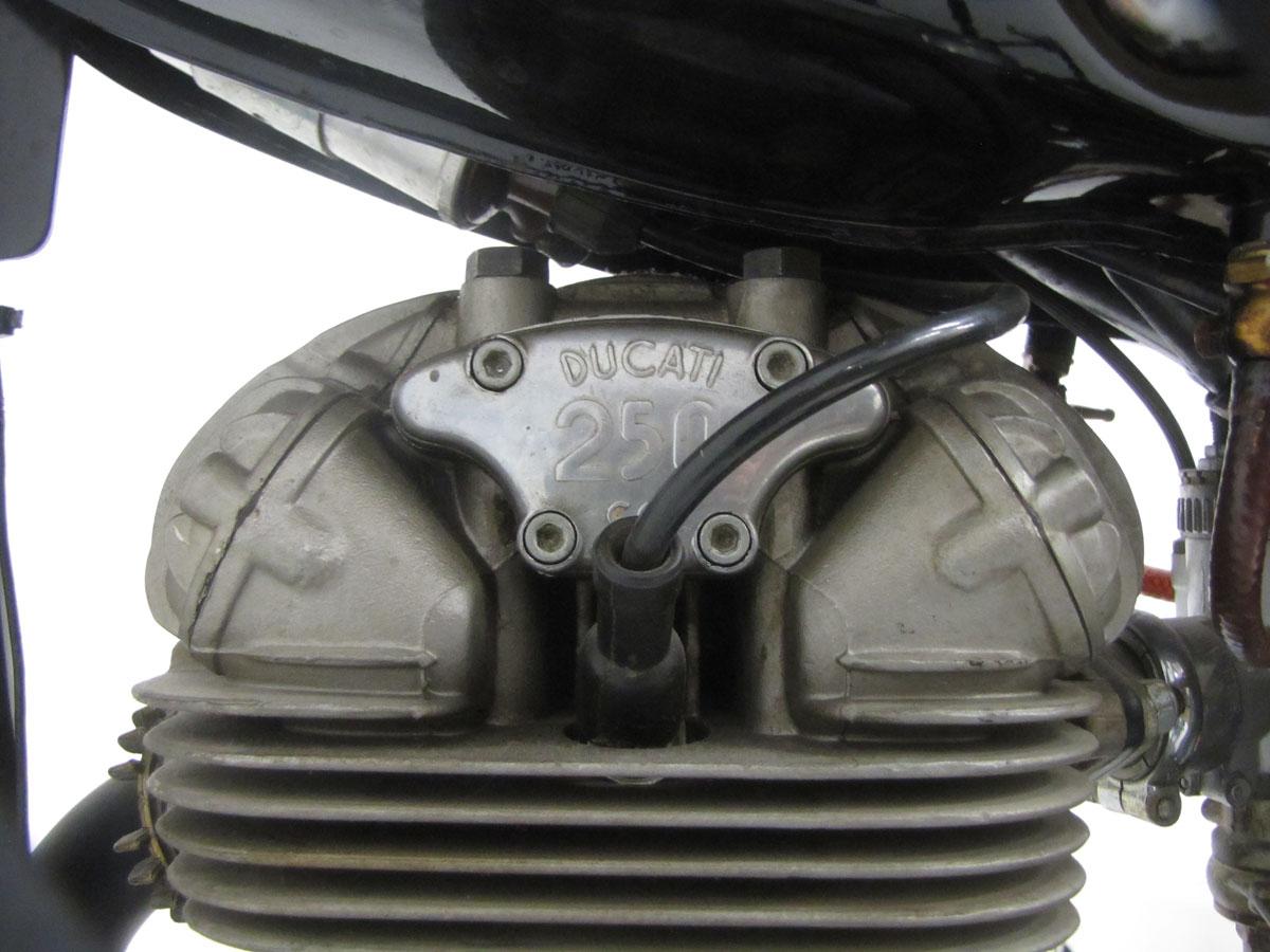 1966-ducati-250-scrambler_37