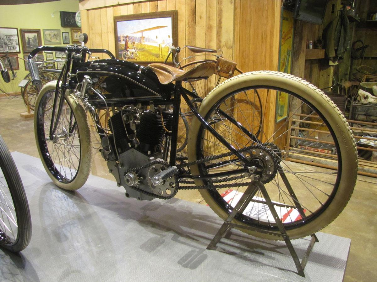 1917-excelsior-board-track_1