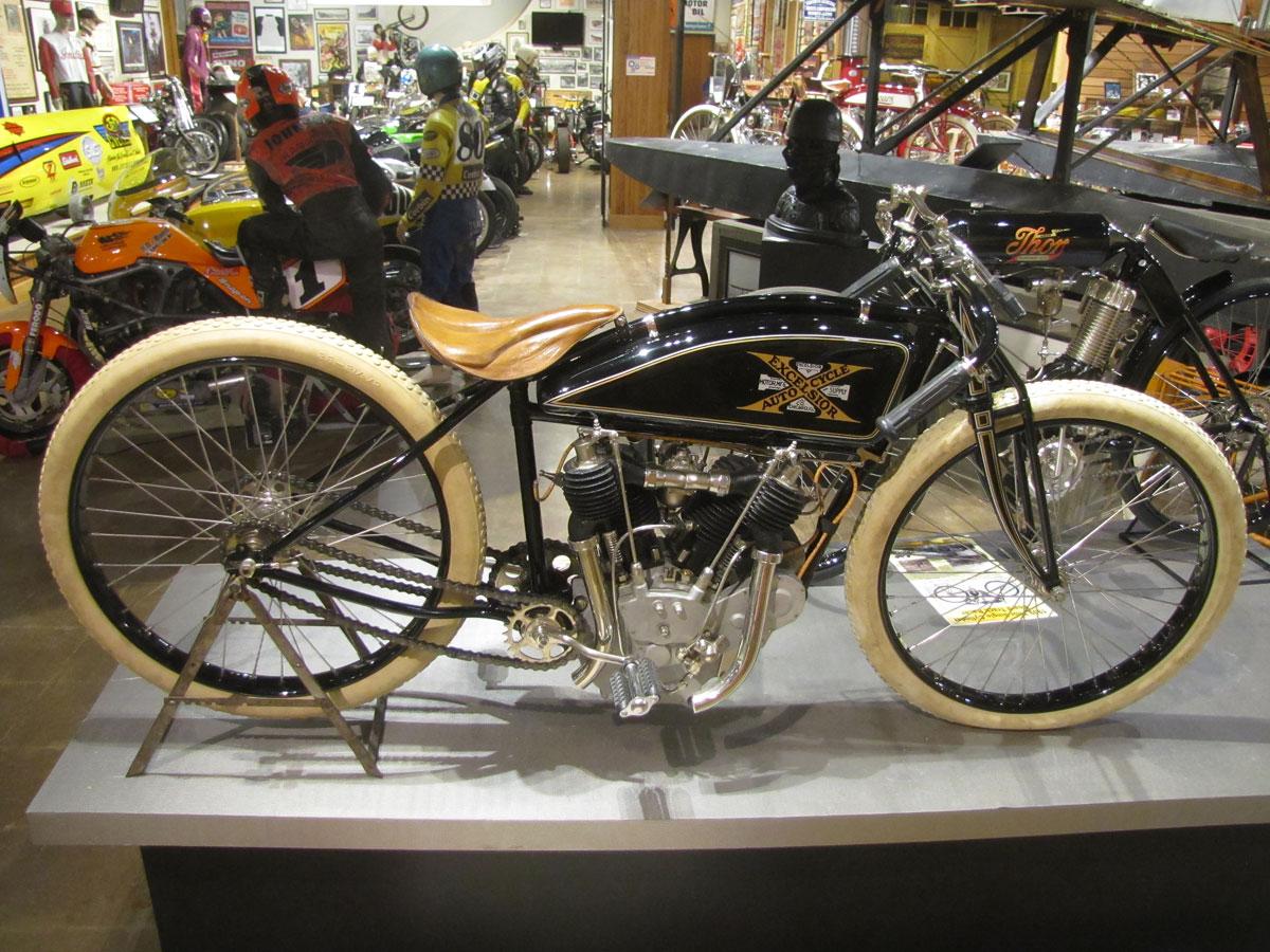 1917-excelsior-board-track_4