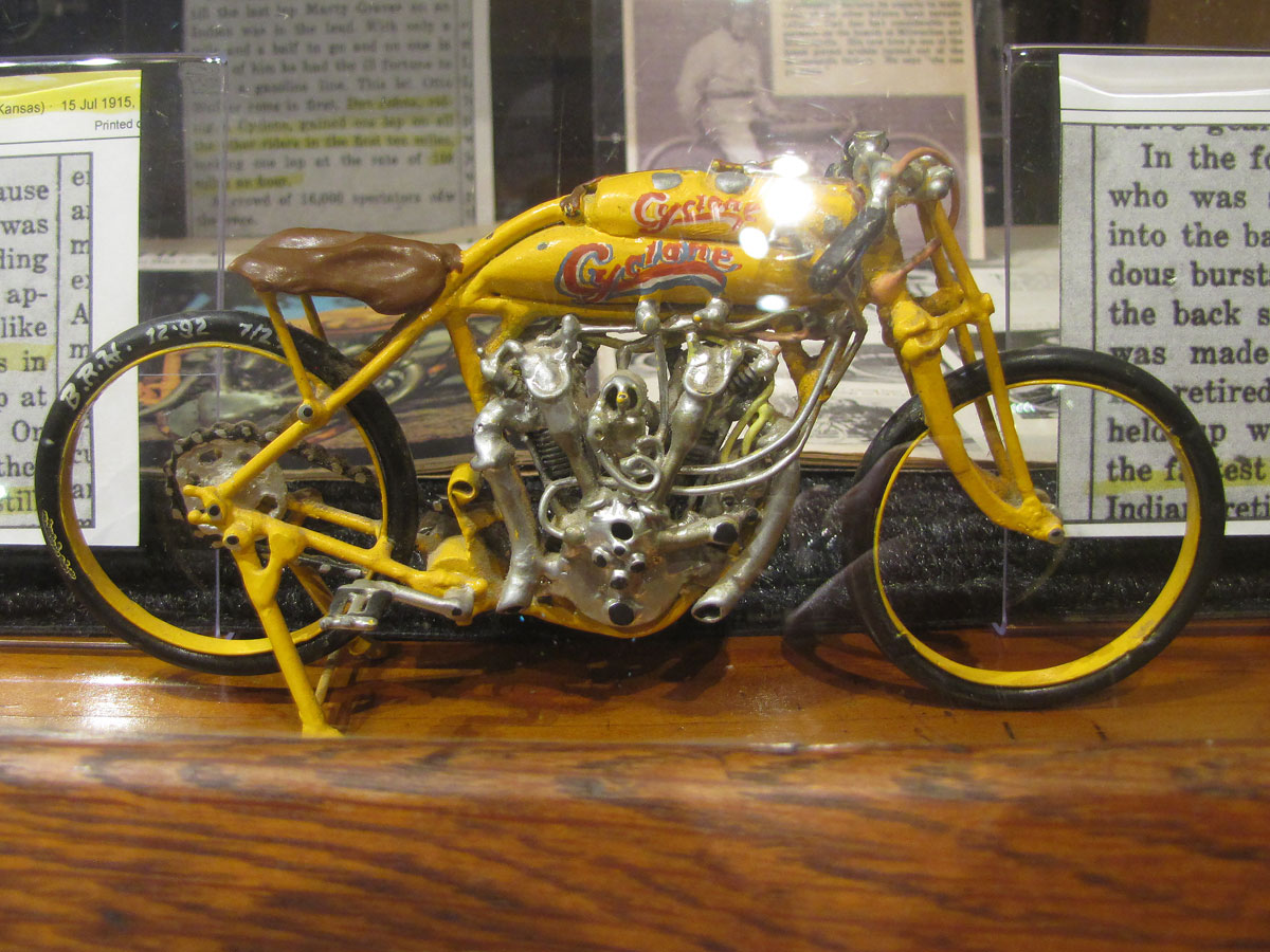 1915-cyclone-motorcycle-exhibit_15