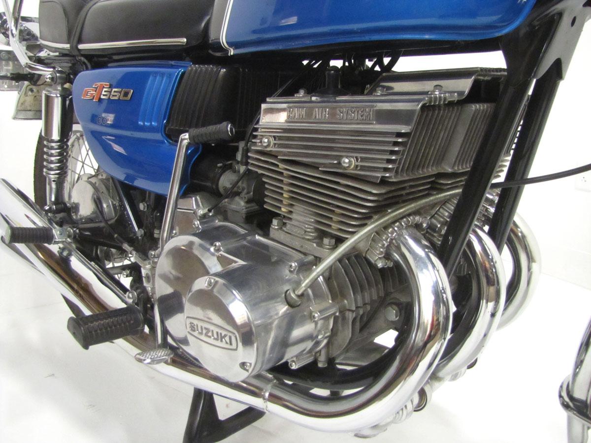 1972-suzuki-gt550j_28