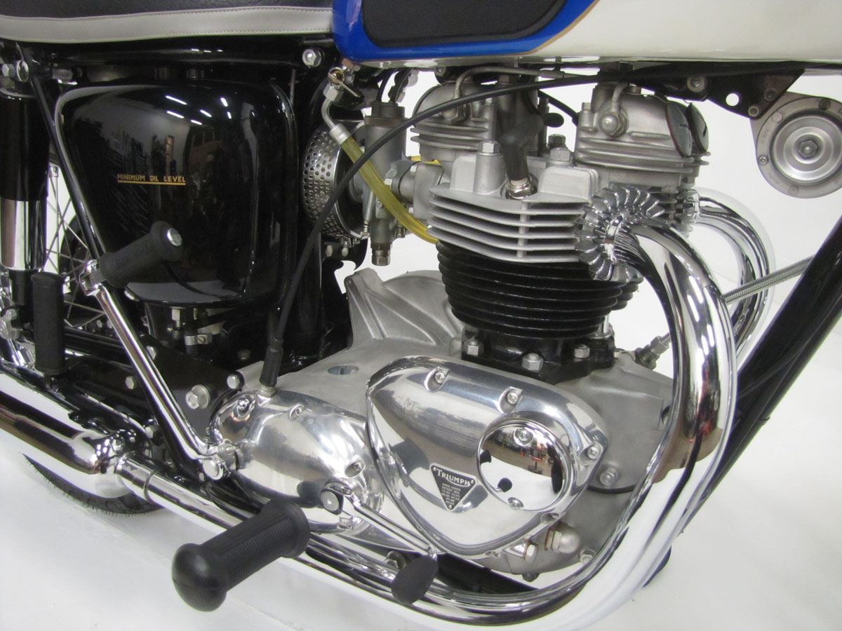 1966-triumph-tr6r-trophy_36