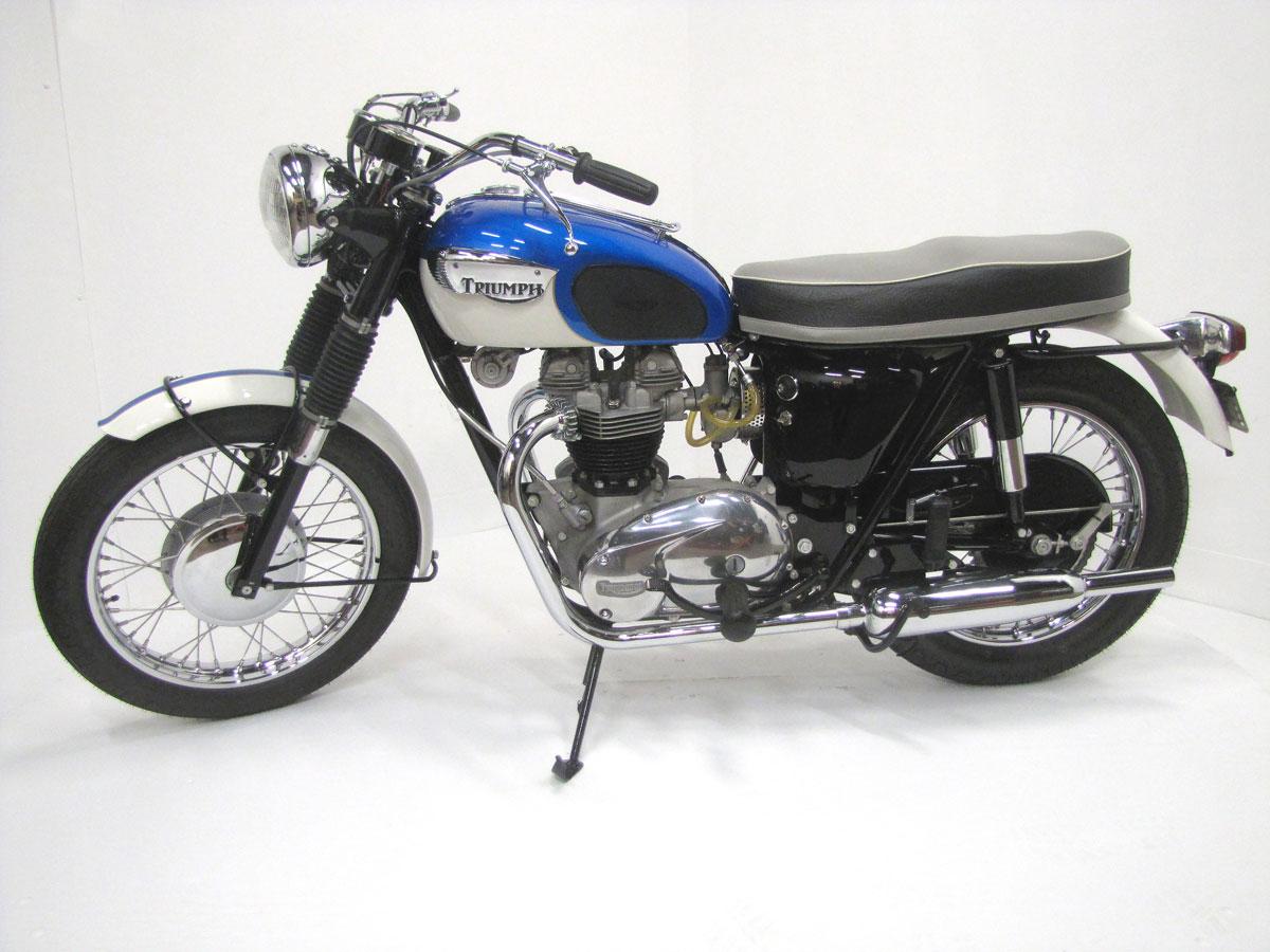 1966-triumph-tr6r-trophy_5