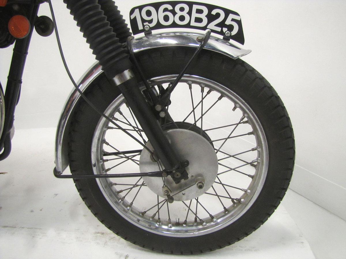 1968-bsa-b25_15