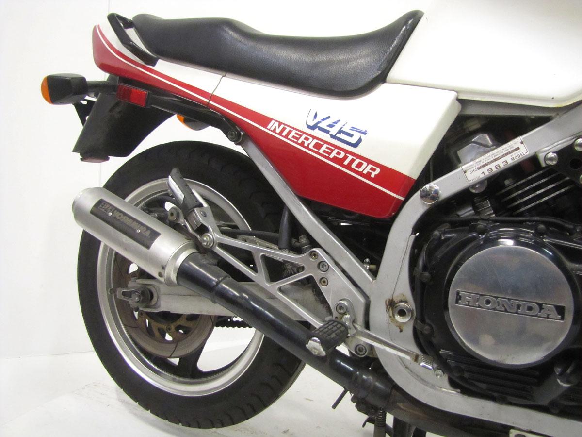 1983-honda-vf750f-interceptor_25